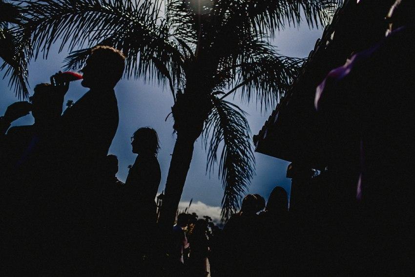 silhouette- having drinks - casa-de-laila