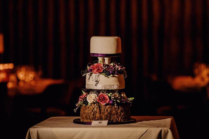 photograph of the wedding cake