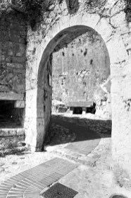 Arch in Eze.