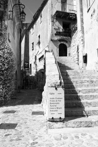Directions to the church (eglise) in Eze.