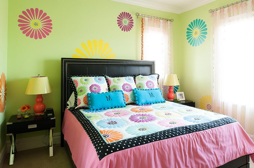 Simple Pink Bedroom Designs For Small Rooms