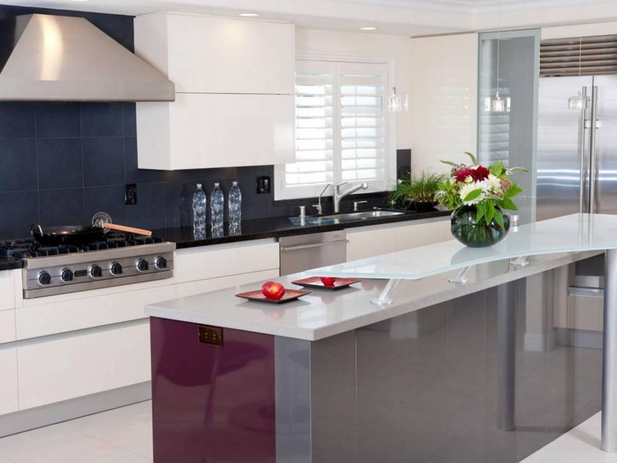 50 Beautiful Modern Minimalist Kitchen Design For Your ... on Kitchen Countertop Decor  id=17385