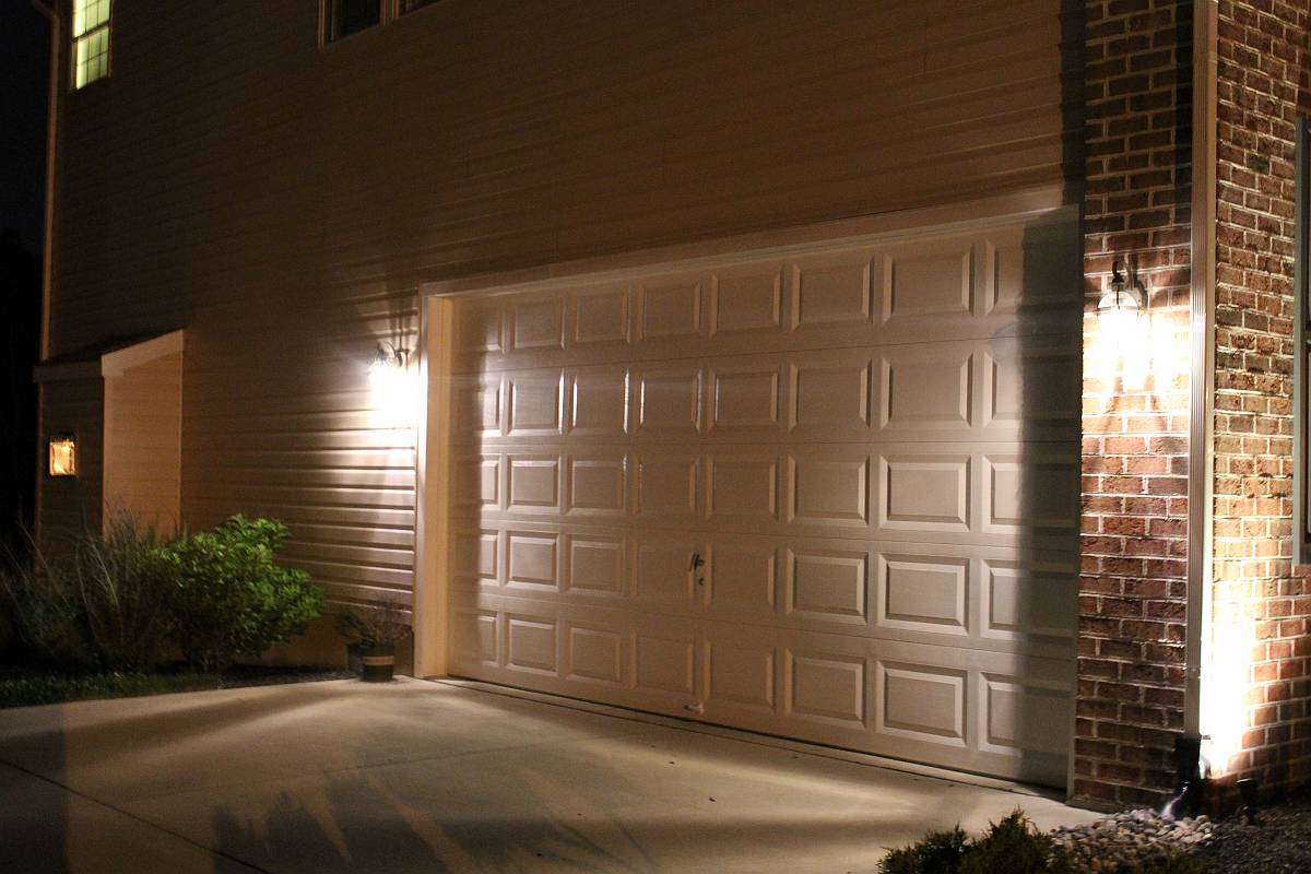 Outdoor Garage Lights