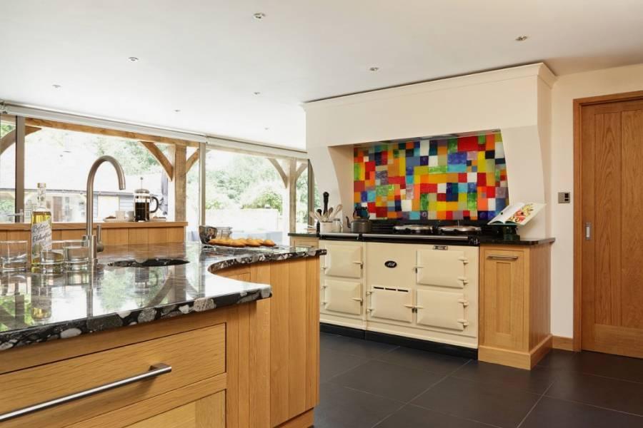 White Kitchen Splashback Ideas