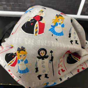 Queen of Hearts Face Mask - The Queen of Hearts and Alice from Alice in Wonderland all on a face mask! #QueenofHearts #AliceinWonderland