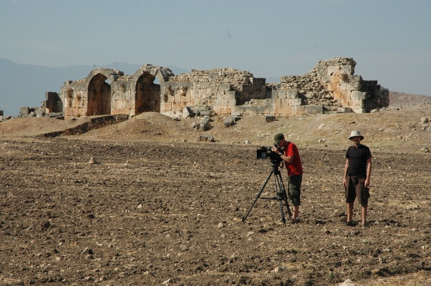 Stewart Innes Syria filming Palmyra Dom Joly Filming in the Syrian desert near some ruins