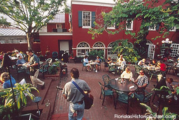 musical entertainment for diners in the courtyard at Harry's