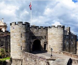 stirling castle entrance