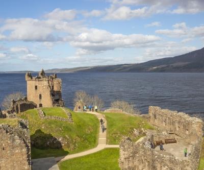 urquhart castle loch ness 2