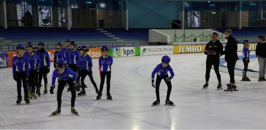 Jubileum wedstrijd NINO, groot schaatsfeest met veel p.r.'s – Trudy Koot