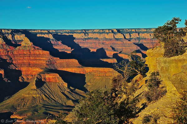 The Sun bathing the Grand Canyon in golden light on September 25, 2013 at 5:49PM.