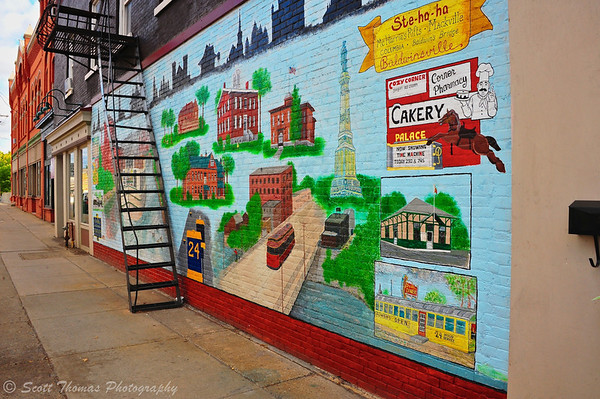 Looking back at the Baldwinsville 4 Corners Mural from the southwest corner.