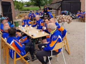 Cycling club drinks coffee for MMF!