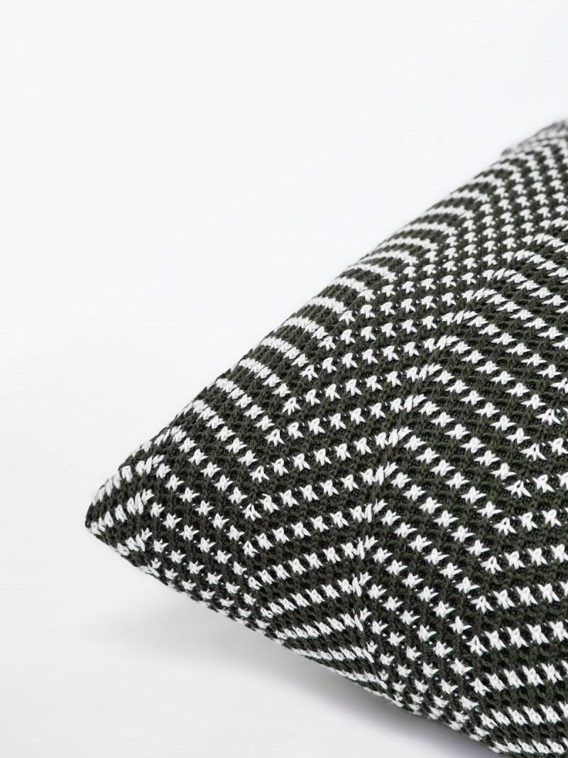 Almofada de Tricot Charlotte Chevron