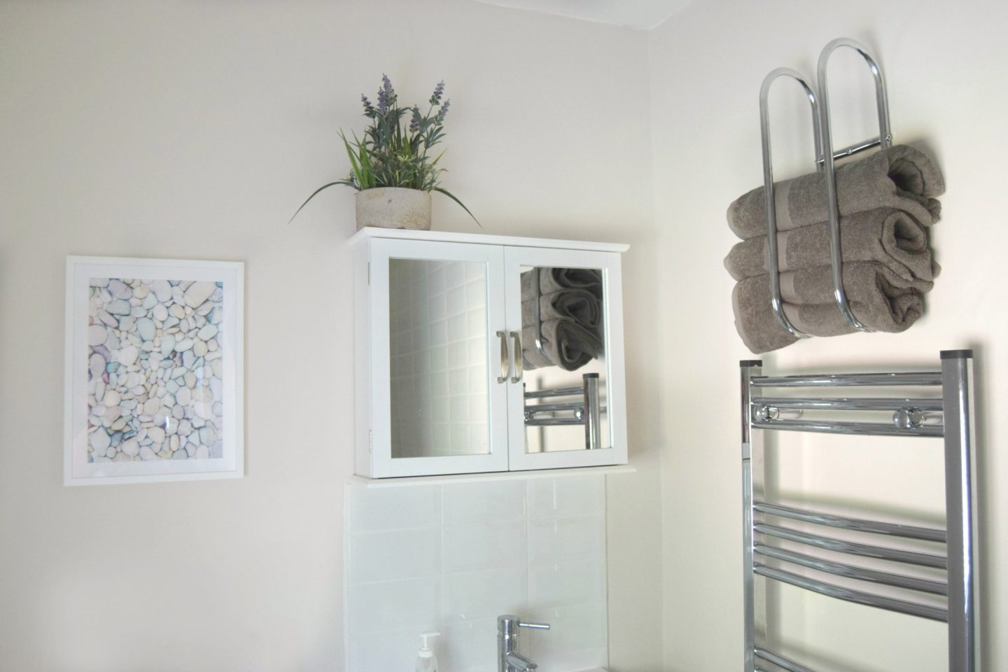 bathroom renovation the finishing touches with matalan. Black Bedroom Furniture Sets. Home Design Ideas