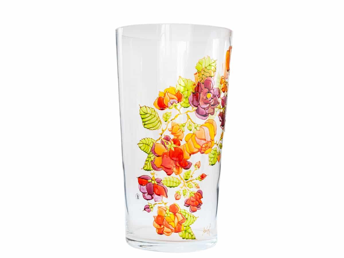 Vaza cu trandafiri agatatori rosii, grena si portocalii
