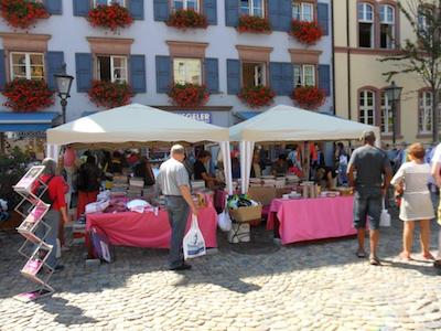 Flohmarkt auf dem Augustinerplatz am Megasamstag, 7.Mai 2016