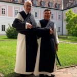 Nach Schulter Operationen Wir Wunschen Gute Besserung 20 05 2019 Stift Heiligenkreuz