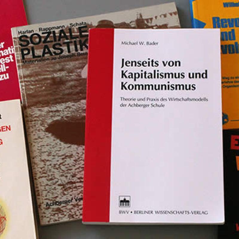Jenseits von Kapitalismus und Kommunismus