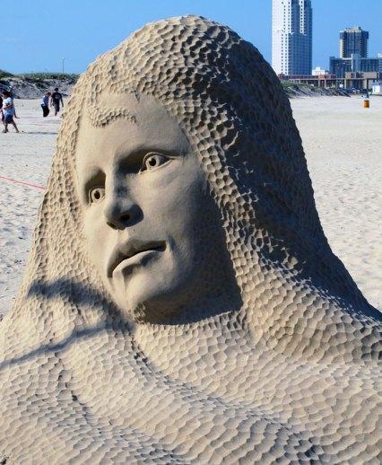 Edith Van de Wetering sand sculpture