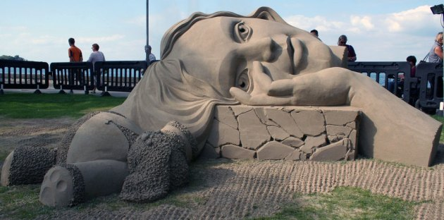 Wilfred Stijger sand sculpture