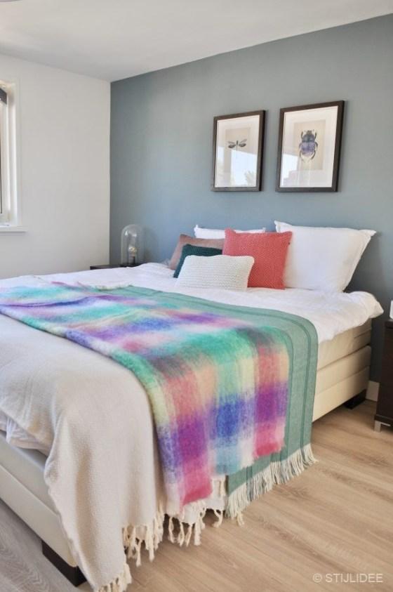 STIJLIDEE STYLINGTIP: Haal de zomer in je slaapkamer met kussens en ...