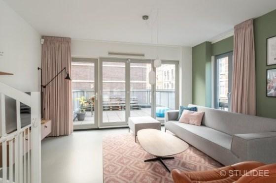 Binnenkijken in een woning in moderne design stijl op het Noordereiland in Rotterdam | Fotografie: via Makelaar