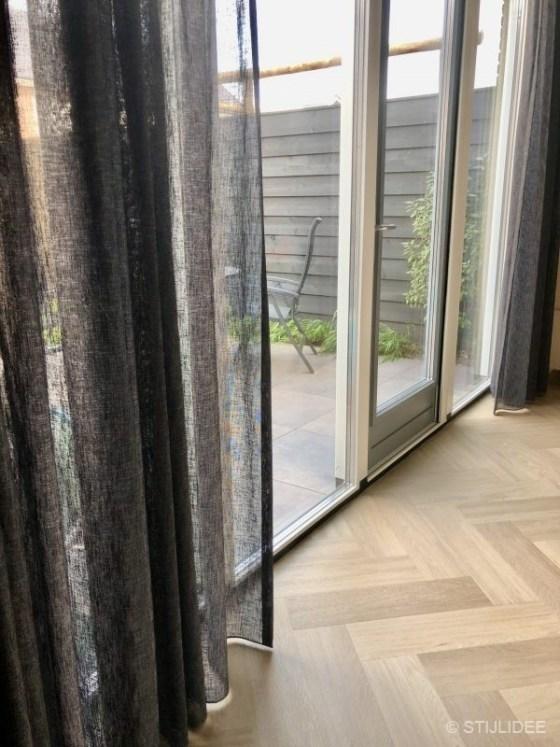 Binnenkijken in ... een modern industrieel interieur met elektrische haard in Houten na STIJLIDEE Interieuradvies en Styling