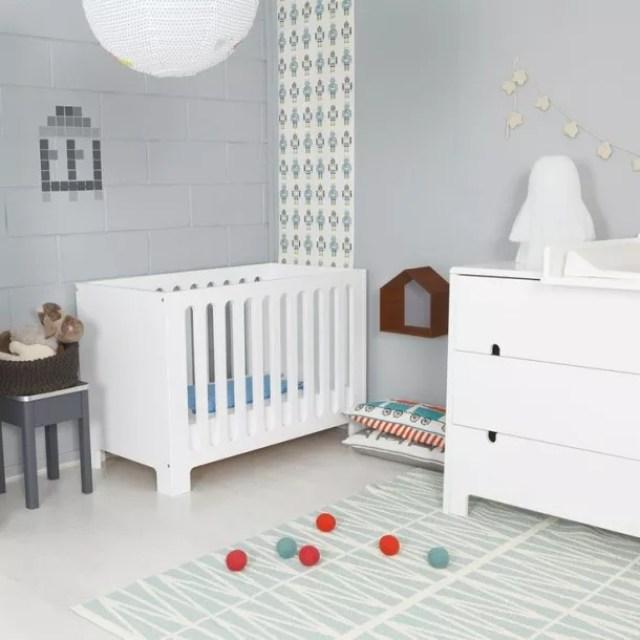 ruimte voor een kind in grijstinten