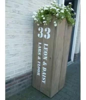Buitenleven | Welkom thuis! Maak het stijlvol en gezellig bij de voordeur! - www.stijlvolstyling.com 'huisnummer' styling tips