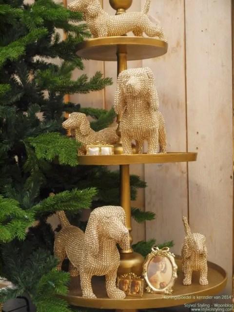 Feestdagen | Kersttrend - Koningspoedel is kerstdier van het jaar 2014 #kerst #feestdagen #trends #wonen #interieur #woonblog #interieurblog #kerstblog - www.stijlvolstyling.com