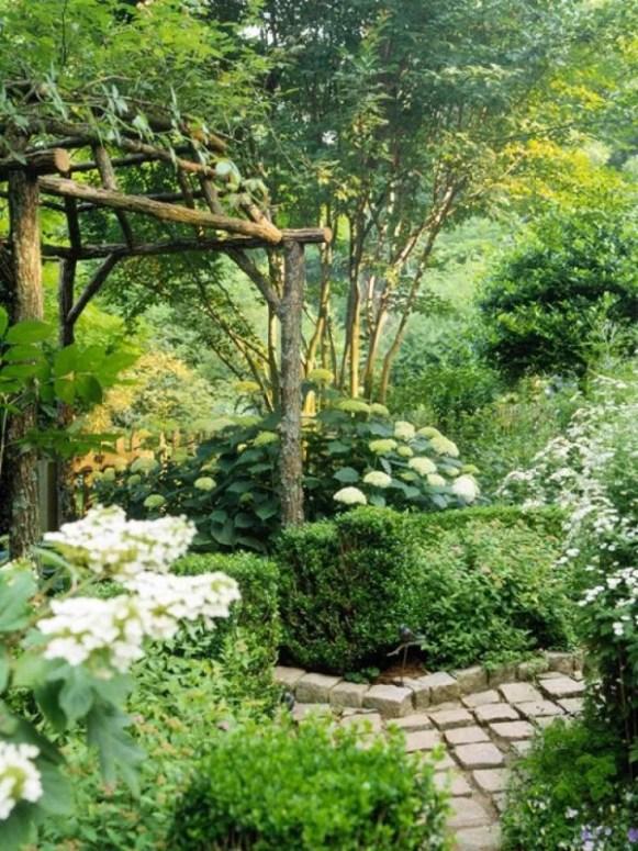 Heerlijke-groene-tuin.1361785140-van-Ierus