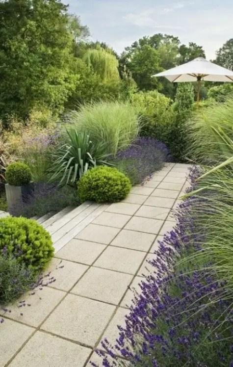 Buitenleven | Buxusbollen = Tuinplant vd maand april - Stijlvol Styling woonblog www.stijlvolstyling.com