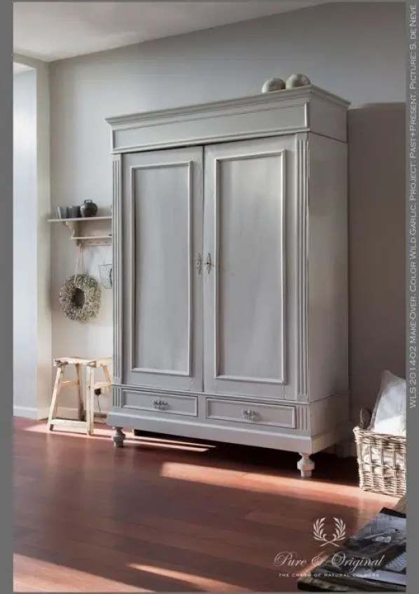 what is annie sloan chalk paint