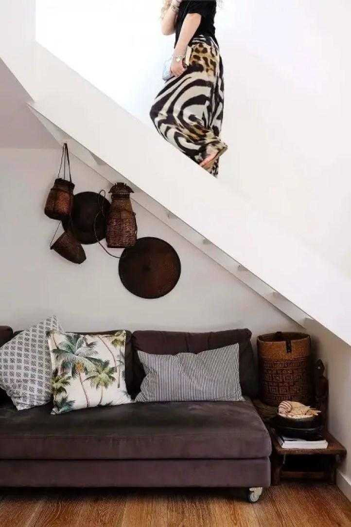 Binnenkijken   Leven in zwart, wit en hout - Stijlvol Styling woonblog www.stijlvolstyling.com