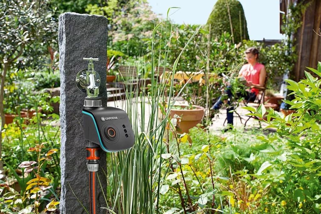 buitenleven slim tuinieren met de automatische tuin stijlvol styling lifestyle woonblog. Black Bedroom Furniture Sets. Home Design Ideas