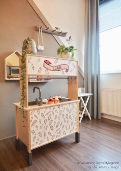 Kinderkamer styling met IKEA hack Duktig keuken door styliste Susanne van SBZ Interieur Design & StijlvolStyling.com