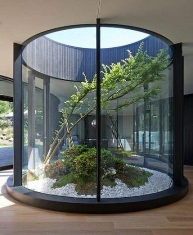 lenkto stiklo balustradų sistemos