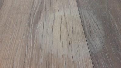 Vazoninės gėlės poveikis alyvuotoms grindims statant tioesiogiai ant medinių grindų