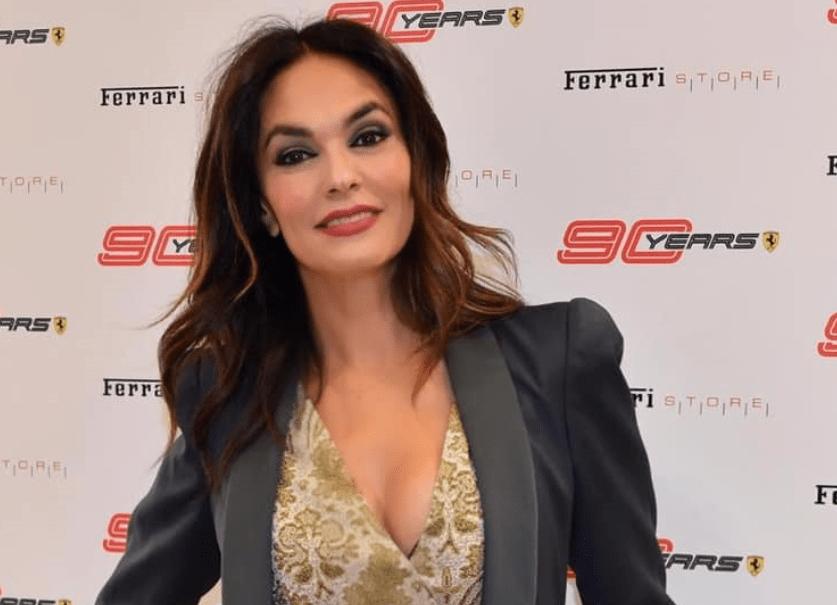 Maria Grazia Cucinotta al Ferrari Store
