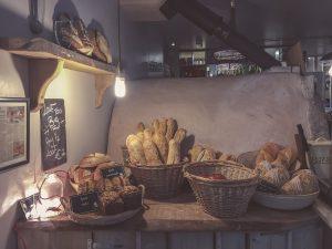 Viele Brote werden mit Süße versehen