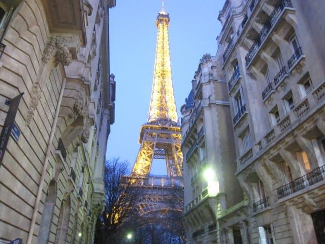 Lugares que puedes visitar en París: 10 plazas pintorescas