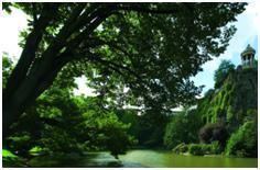 water at Chaumont Park - Paris