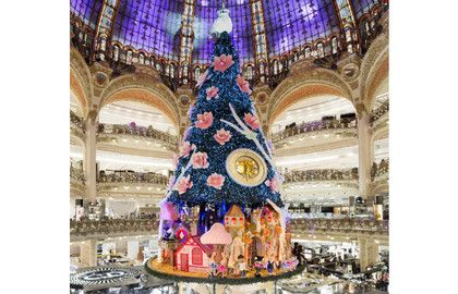 Xmas Tree and Lights at Galeries Lafayette