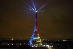 Torre Eiffel de noche - París en 3 días
