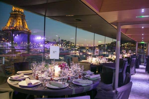 2020 새해 전야를 위한 파리의 로맨틱 디너 크루즈