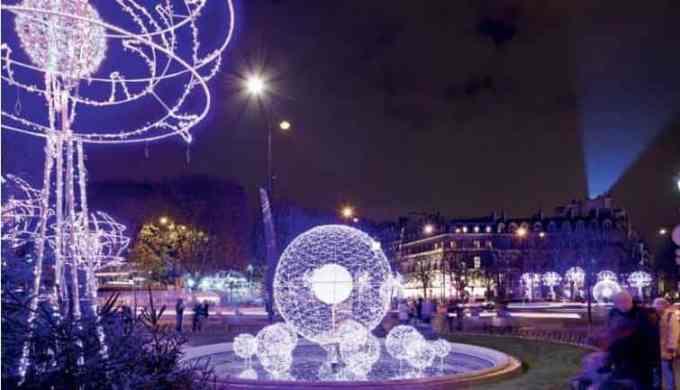Paris Christmas Lights Tour