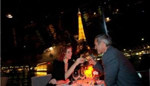 Romantic dinner Cruise in Paris for NYE 2020