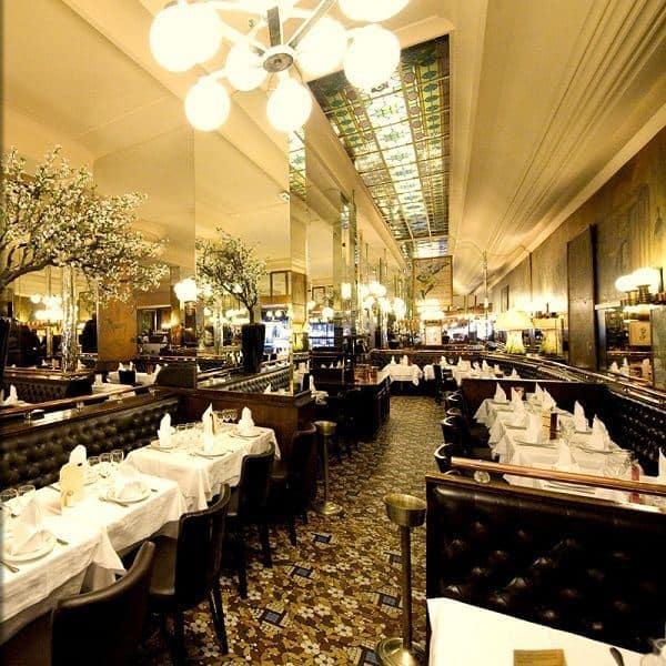 restaurants for new year 39 s eve dinner in paris 2018 still in paris. Black Bedroom Furniture Sets. Home Design Ideas