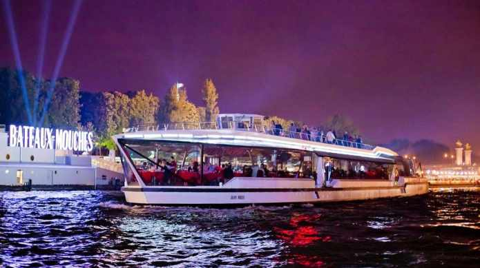 Bateaux Mouches New Year's Eve Paris: gourmet dinner and cruise